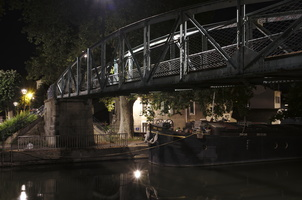 Nancy, passerelle le long du canal